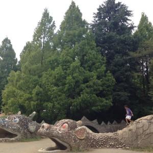 ドラゴンの砂山遊具|昭和記念公園こどもの森