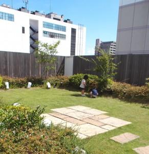エキュート屋上庭園1