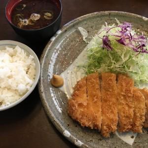 ロースかつ定食 1426円(税込)