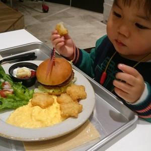 2歳の子が食べるとこんな感じ