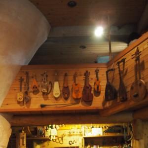 ずらーっと並ぶのは古楽器