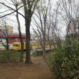 電車がよく見えるよ。