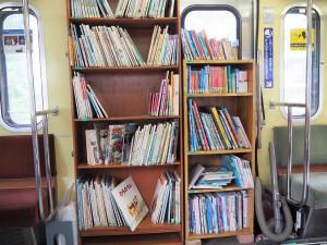 やはり電車の本が多し!