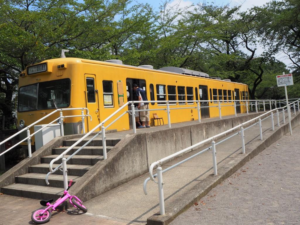 西武鉄道から譲り受けた車両(クハ1150)。現在は2代目が活躍中!